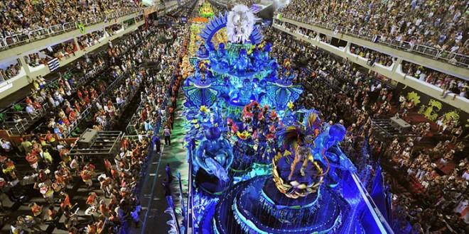 Quem trabalhou no Carnaval tem direito a hora extra?