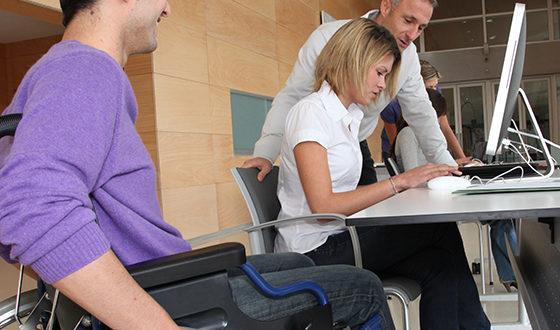 Omissão na contratação de pessoas com deficiência é considerada discriminatória
